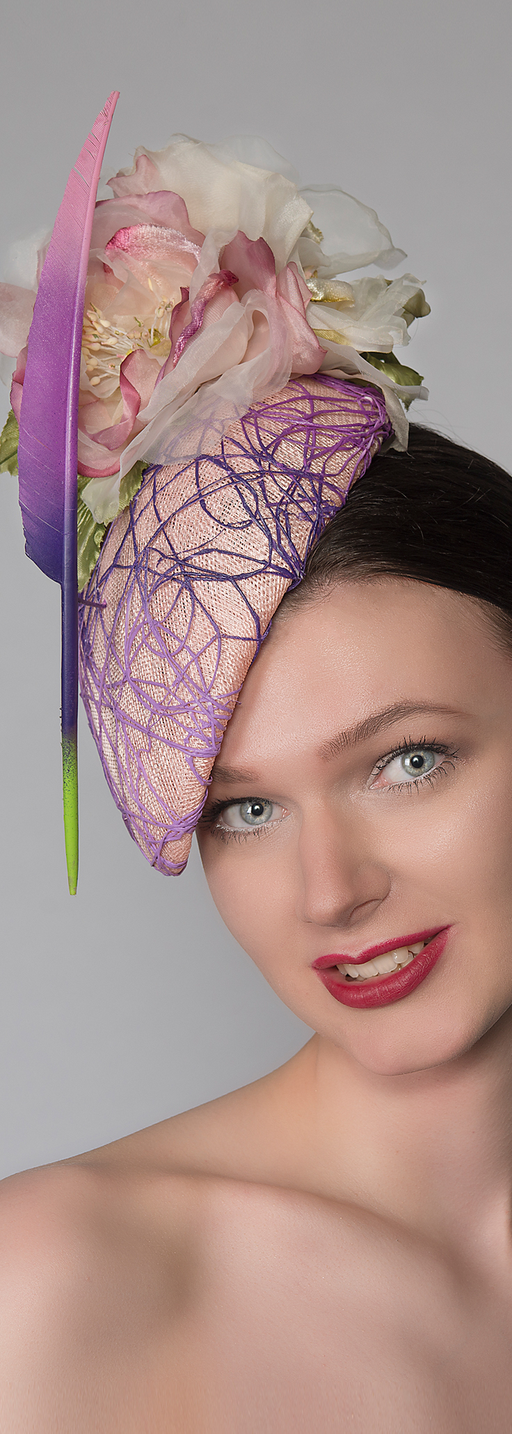 Ladies Designer Hat Hire, Book online for Royal Ascot. The only Hat Hire at Royal Ascot Races. Hats for other events available on Mail Order. Hats from Philip Treacy, Jane Taylor, Bundle Maclaren, Rosie Olivia, Nigel Rayment and other leading Milliners.